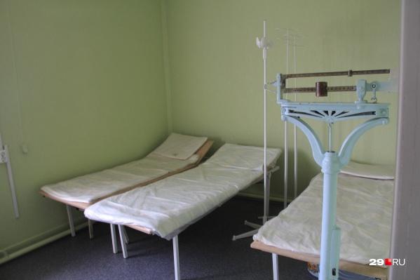 Количество больных COVID-19 в Котласе растет, но мест в больнице для всех не хватает