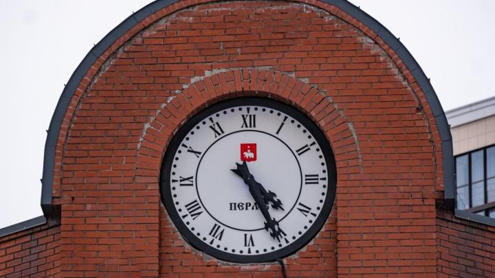 Время для теста! Узнаете по фотографиям часов, на каких зданиях в Перми они находятся?