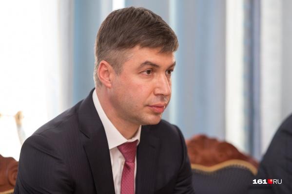 Полгода Логивенко был и. о. главы администрации, а в октябре 2019 года уже полноценно занял эту должность