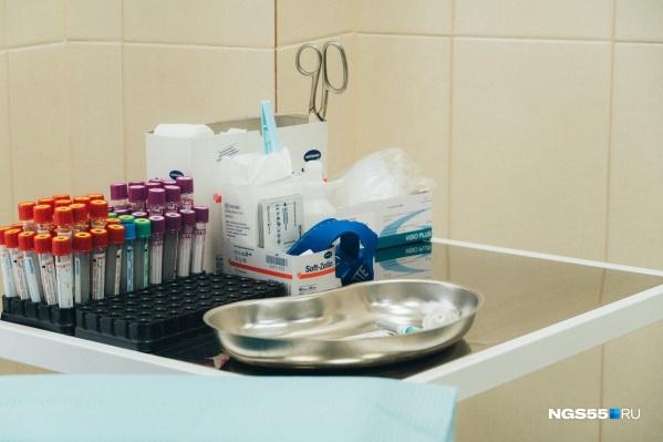 В первую очередь вакцину получат врачи и учителя