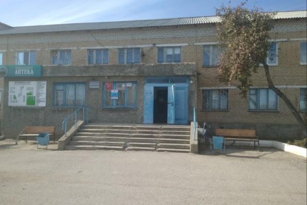 В больнице Карталов умерла 48-летняя женщина, а через несколько дней скончался её муж