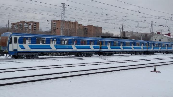 В Самаре привезли новый поезд для метро