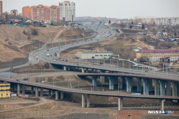 От развязки по Дубровинского можно быстро попасть в центр города