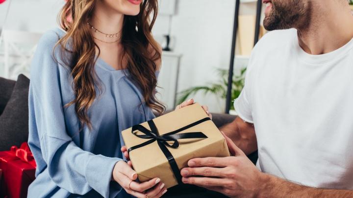 Для милых дам: собрали топ-7 подарков на 8 Марта и не только
