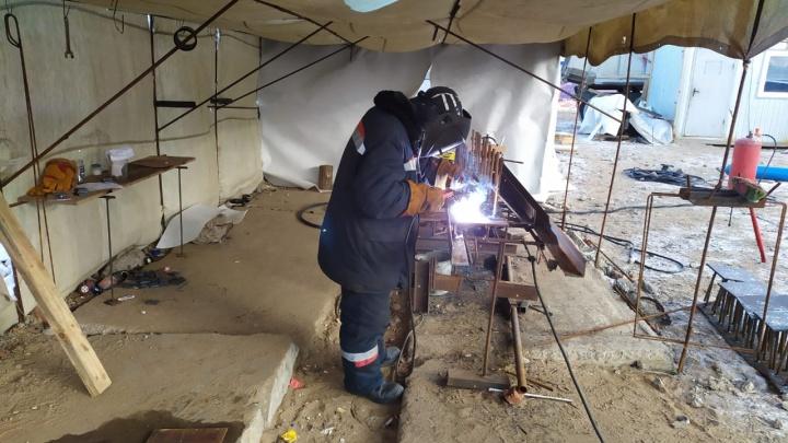 «Пообещали денег и новую фуфайку»: в Волгограде подавлена забастовка строителей на острове Голодный