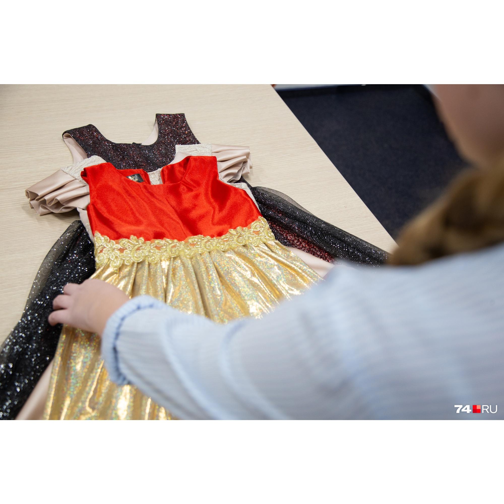 Эти три платья были на показе в Италии