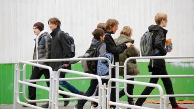 В Челябинской области из-за коронавируса продлевают осенние каникулы