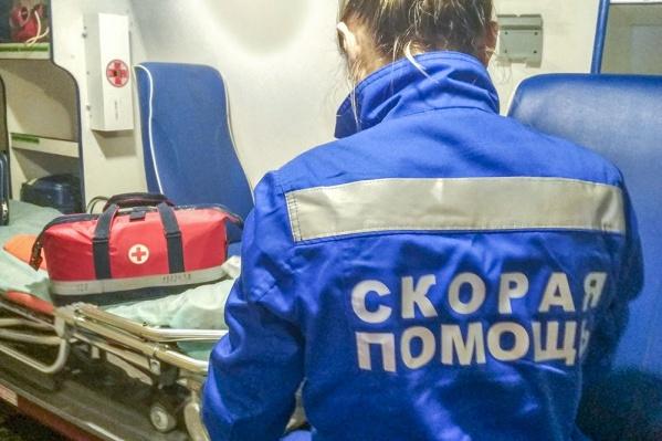 Фельдшеры помогли девочке, получившей ожоги 15% тела