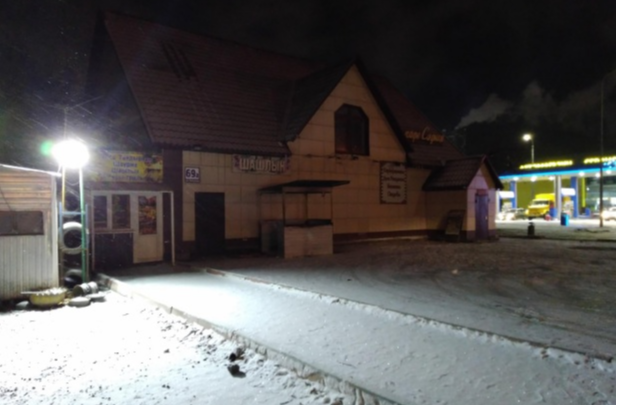 Пятеро мужчин избили новосибирца рано утром возле кафе — их задержали полиция и бойцы СОБРа