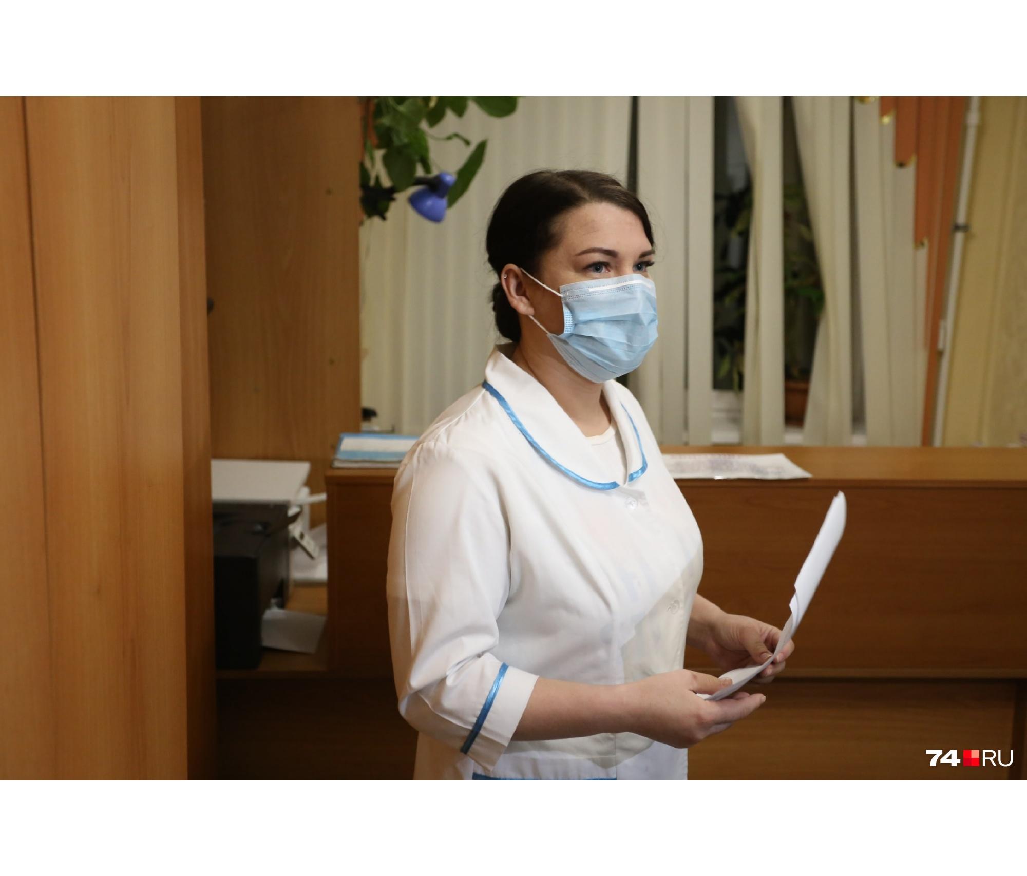 Анна Семеина объяснила, что людей с положительными тестами на COVID-19 незамедлительно направят в инфекционное отделение