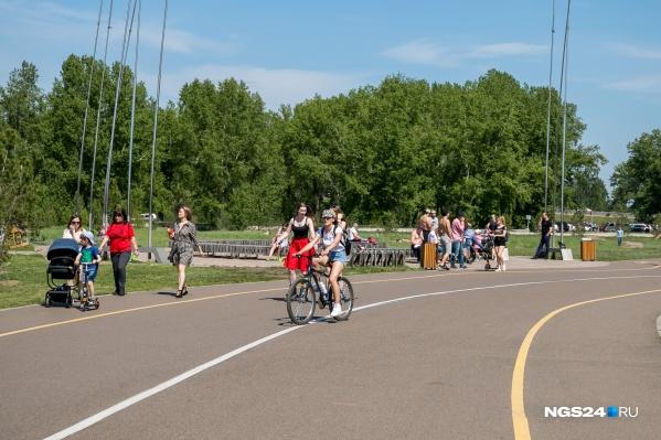 На Татышеве можно кататься на своём велосипеде, но прокатам работать запрещено