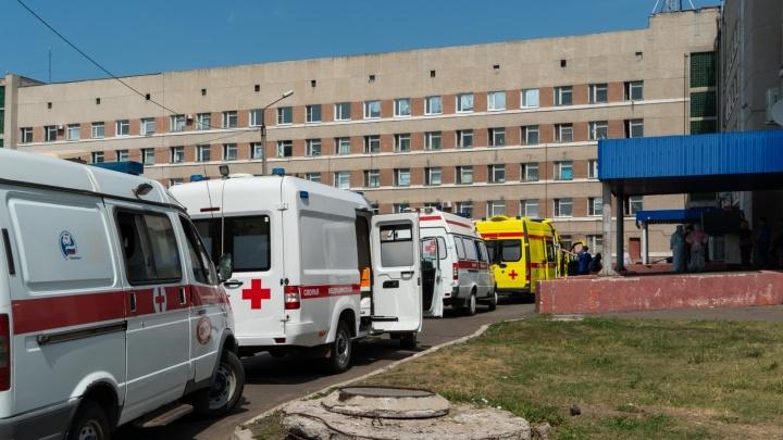 По восемь пациентов в двух машинах: как в Омске обстоят дела с компьютерной томографией лёгких