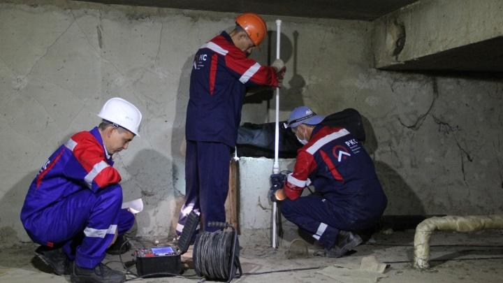 Коммунальные службы Самары забили трубы 27 должникам за воду