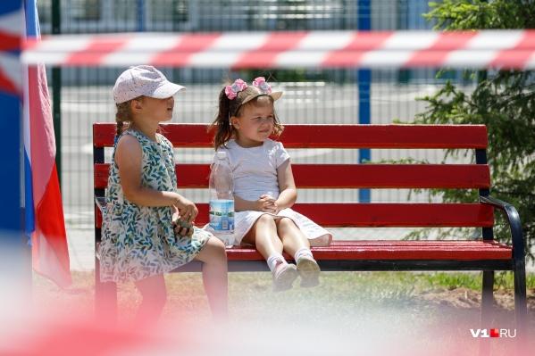 Дети выйдут в детские сады после шести месяцев дома