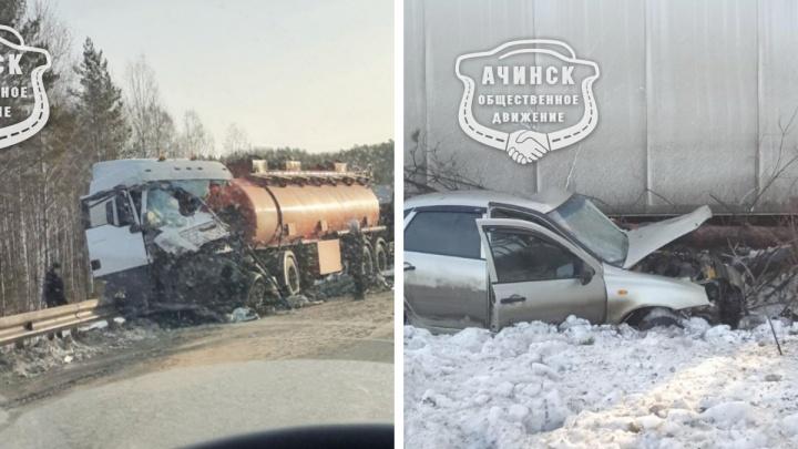 Две смертельных аварии с фурами произошли на одной дороге за полтора часа