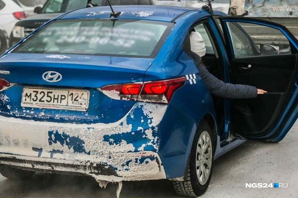 Конфликтную ситуацию таксист решил закончить силовым приемом