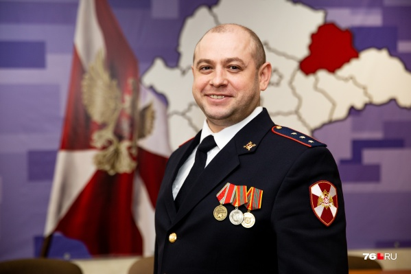 Дмитрий Гладков работает в Ростове Великом
