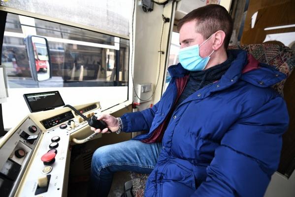 Некоторые водители трамваев и троллейбусов уже протестировали оборудование