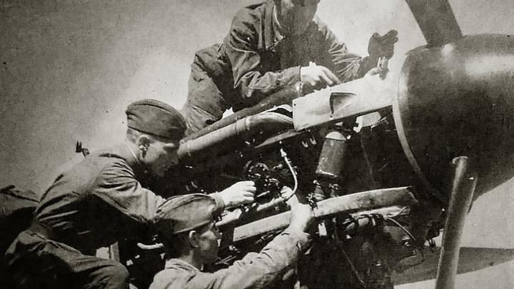 Ночами собирали самолеты и оставляли автографы на Рейхстаге: 14 фронтовых историй со всей страны