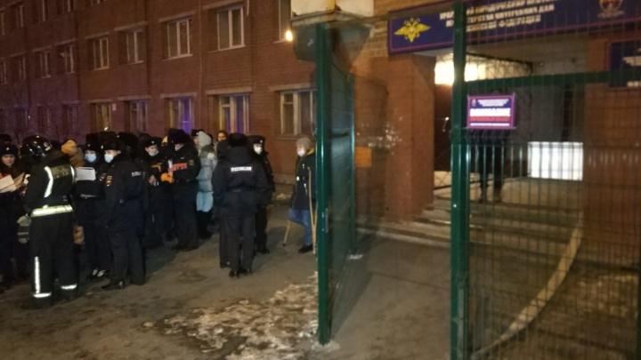 В Екатеринбурге эвакуировали общежитие института МВД