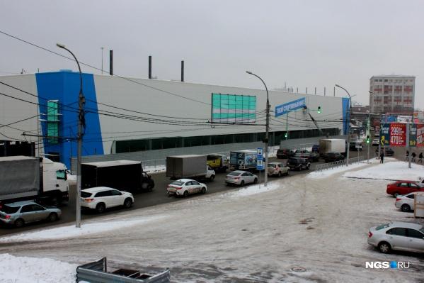 Строительство здания гипермаркета практически завершено