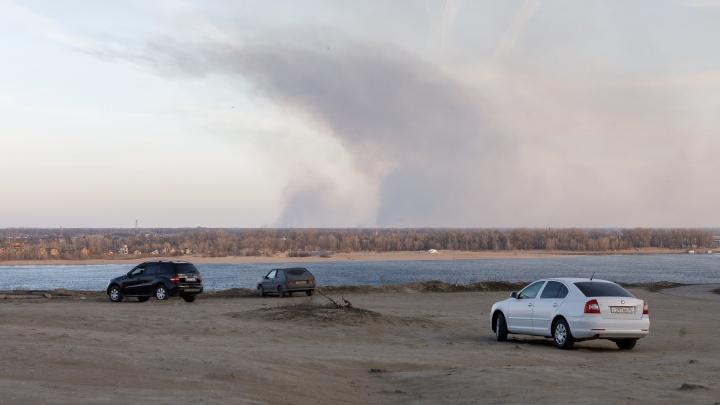 Напротив Волгограда ликвидировали крупный природный пожар