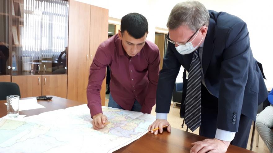 После встречи с губернатором: прямой эфир с омским тиктокером, который ловил интернет на березе
