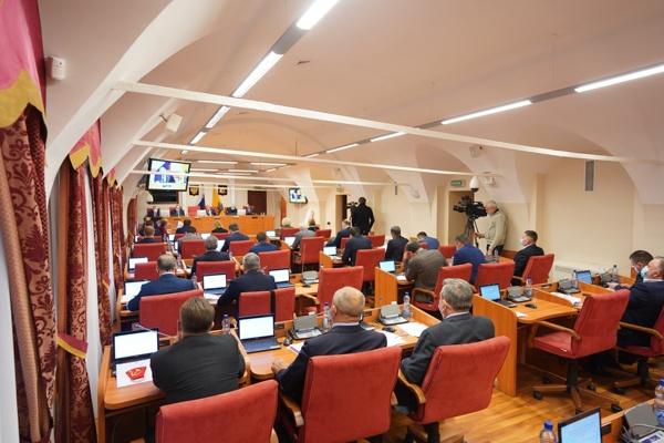 В Ярославской области депутаты перешли на антикоронавирусный режим работы