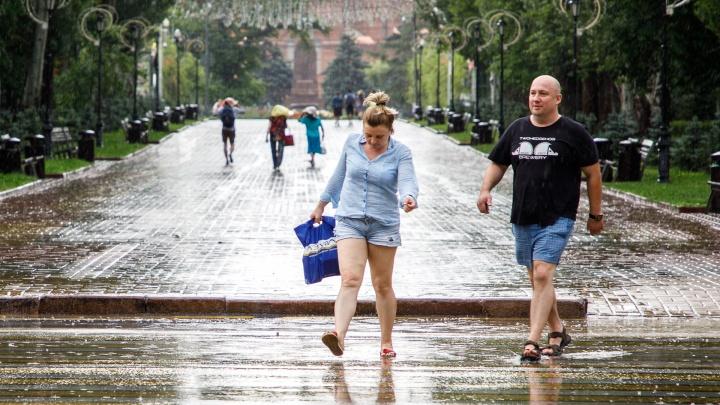 Раскаленному Волгограду пообещали дожди, грозы и сильный ветер: прогноз погоды