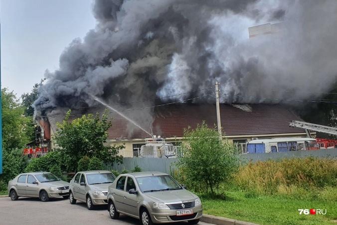 Здание транспортной полиции выгорело почти целиком