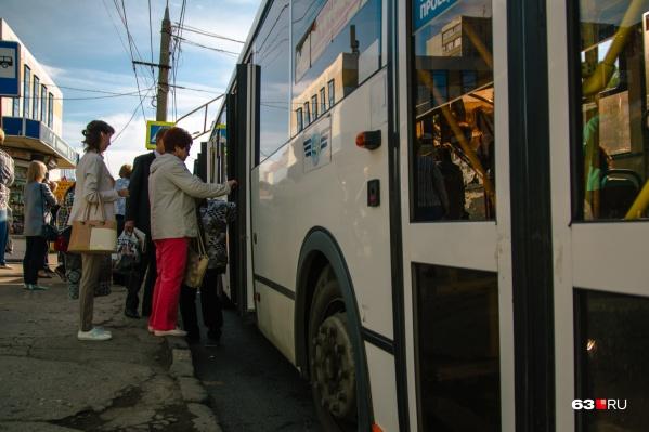 Муниципальные автобусы должны были запустить на дачи в начале мая
