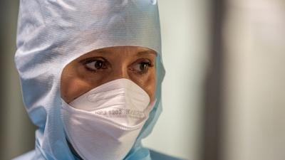 Сердцу не прикажешь: как работают в клинике Мешалкина во время пандемии и что делают, если у пациента ковид