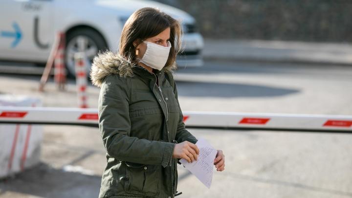 Красноярские фирмы по пошиву одежды переориентируются на шитье медицинских масок