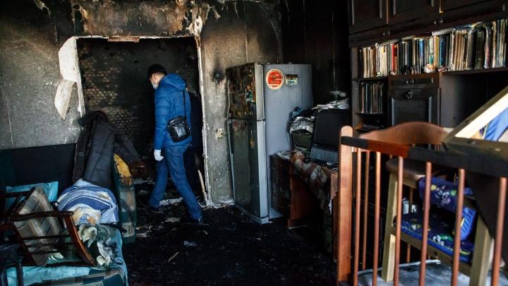 В Волгограде при пожаре погибли двое человек и пострадали маленькие дети