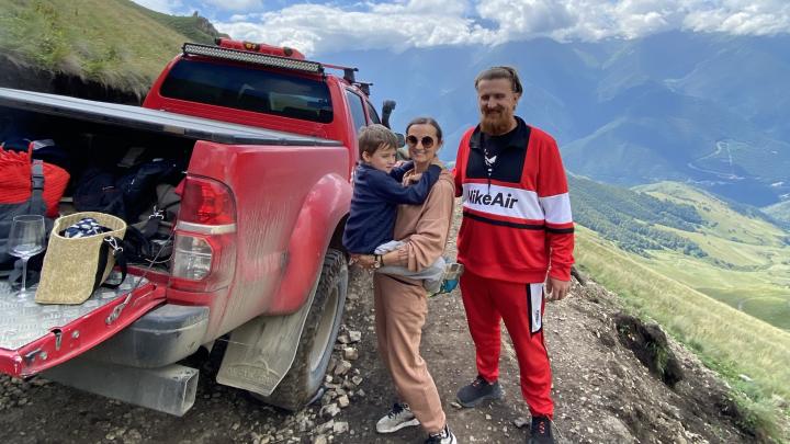 Приключения красного пикапа: семья из Екатеринбурга провела три месяца в автопутешествии по России