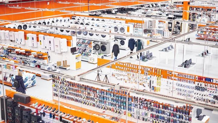 От батарейки до холодильника: где открылся самый большой на Урале магазин электроники