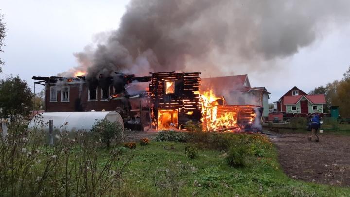 Под Архангельском сгорел частный дом вместе с пожилым хозяином