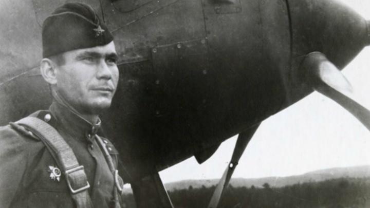 Фронтовой инстаграм: «Его самолет сбили в небе над Норвегией, а его самого укрывали местные жители»