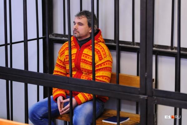 Дмитрий Лошагин до сих пор не признал свою вину