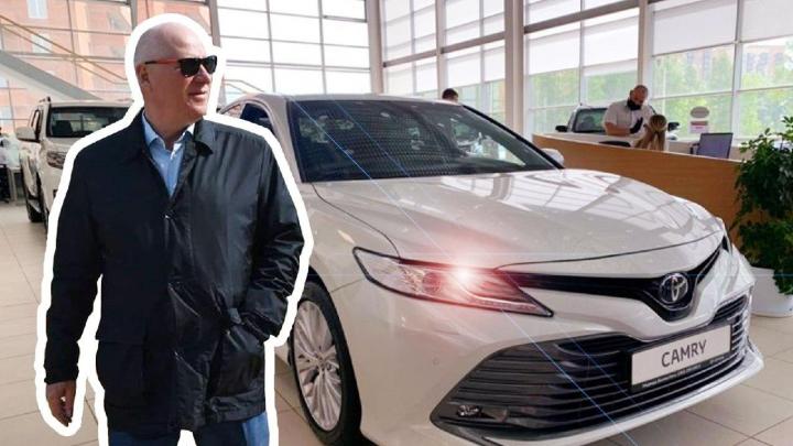 Мэра маленького свердловского города оштрафовали за покупку шикарной машины