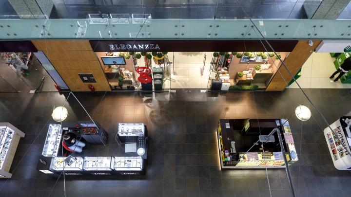 «Раньше парковка была совсем пустой»: волгоградцам разрешили ехать за покупками в популярные гипермаркеты