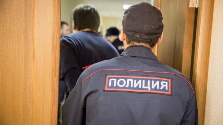До суда дошло дело двух братьев — их обвиняют в убийстве на пляже Академгородка