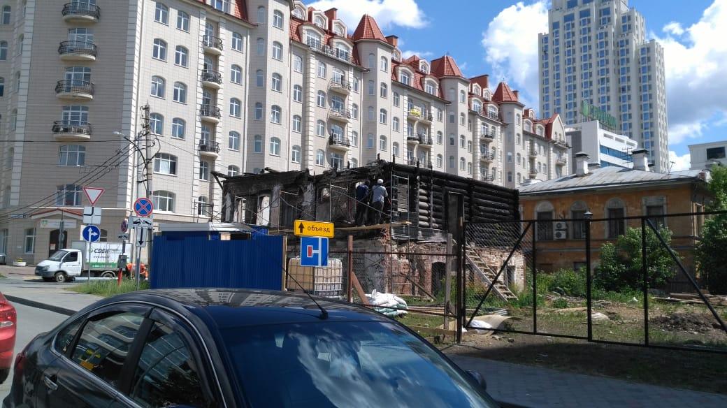 В дом по окончании работ планирует переехать владелецсети клиник «Здоровье 365» Валерий Малышев