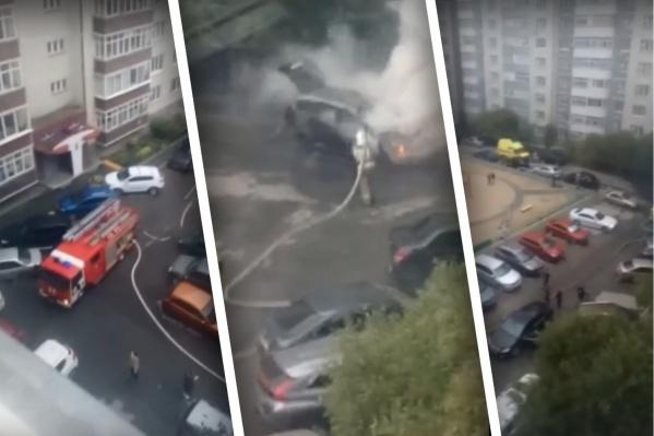 На месте работали пожарные и дежурили медики скорой помощи