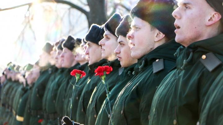 Кирза, паёк и пулемёт «Максим»: тест на знание армейской тематики от NN.RU