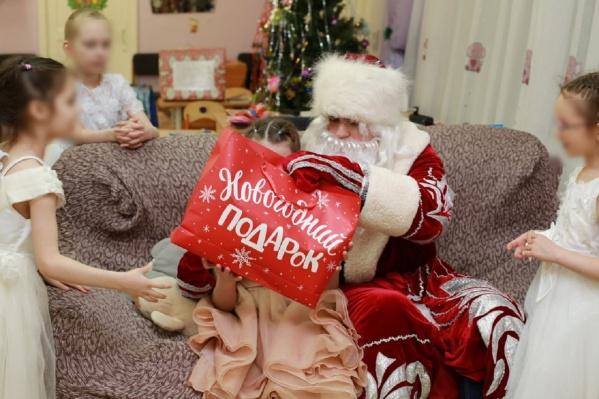 Благодаря пермякам дети из детдомов получают на Новый год именно те подарки, о которых мечтали