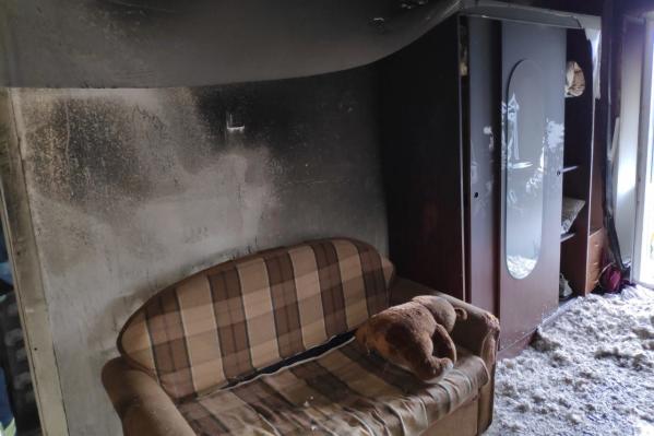 Чтобы снова поселить кого-то в горевшей квартире, сначала нужно сделать в ней ремонт
