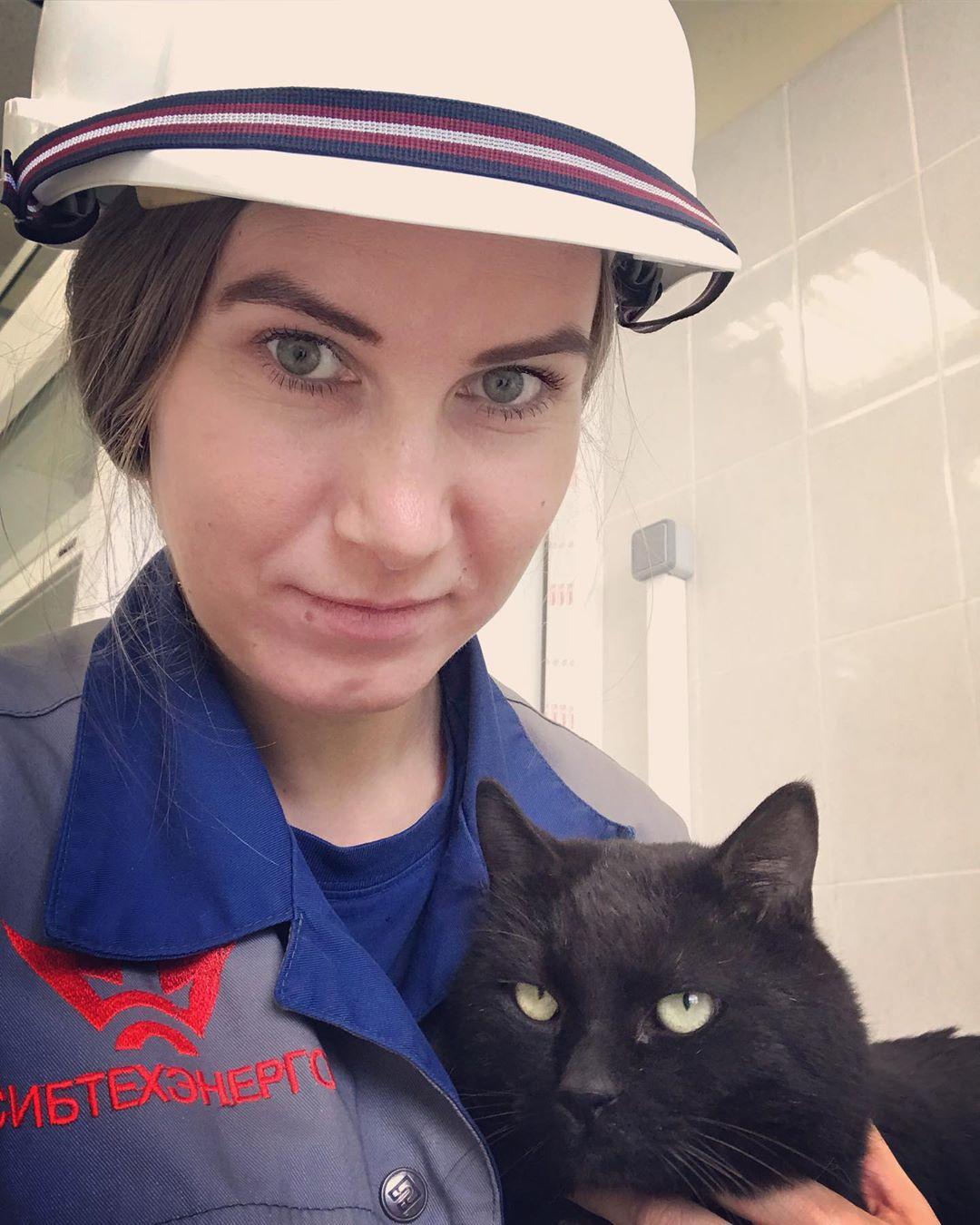 Много времени Анастасия проводит в разъездах по работе