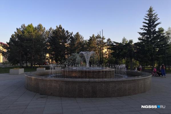 В этом году фонтан на бульваре Победы уже успел поработать, но недолго