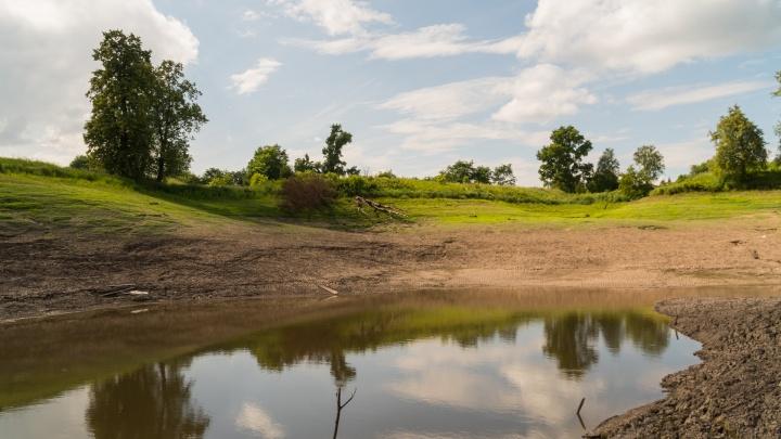 Жителям Щучьего Озера, где никак не могут провести водоснабжение, отказали в расследовании кражи водопровода